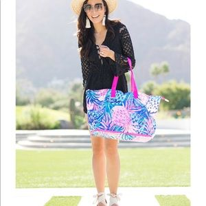 NWT Lilly Pulitzer Getaway Tote